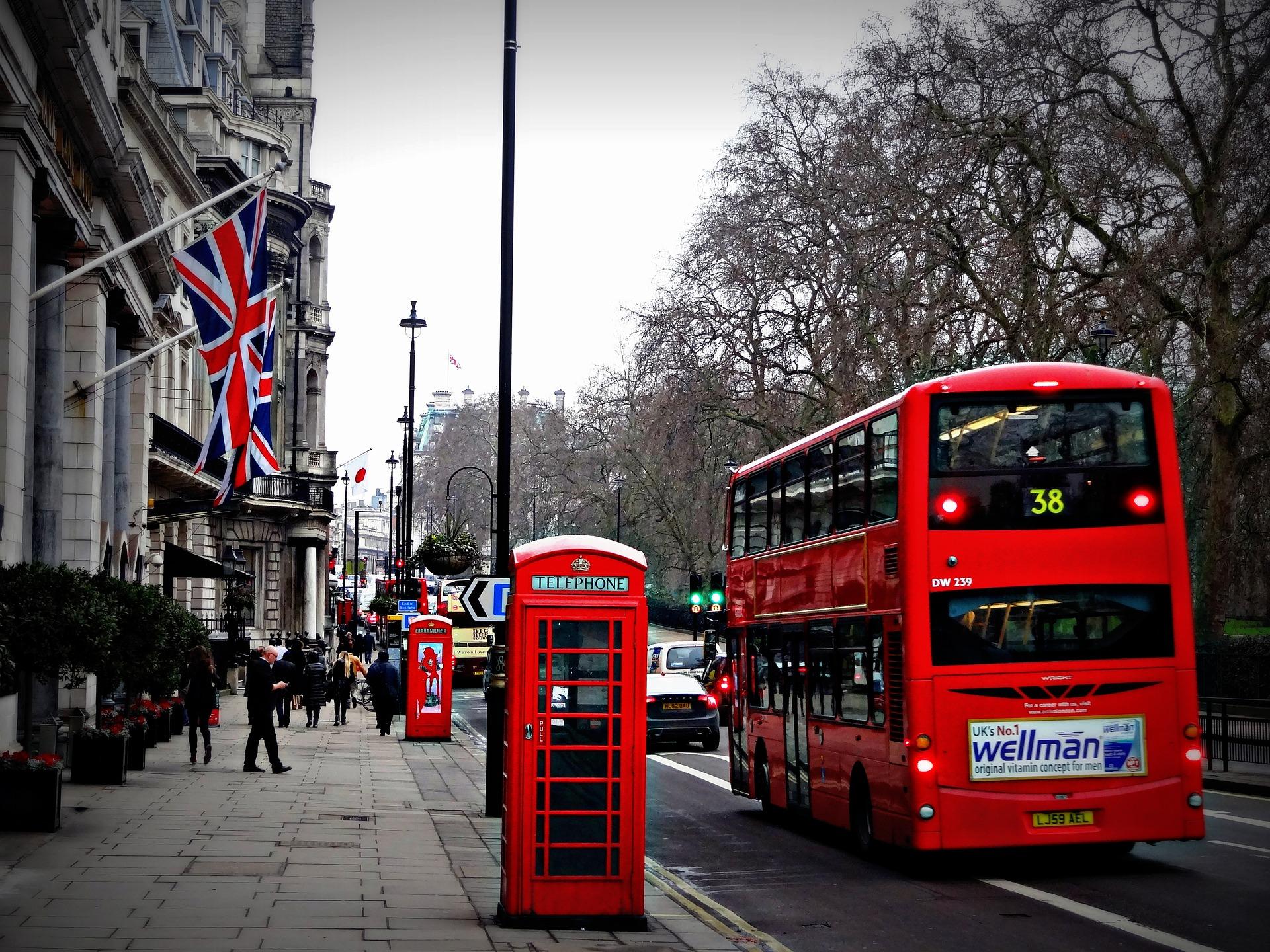 Ingiltere Şehirler - Londra telephone and bus